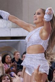 Jennifer Lopez Performing on NBC's Today Show in New York 2019/05/06 14