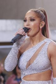 Jennifer Lopez Performing on NBC's Today Show in New York 2019/05/06 24