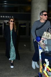 Jessica Alba and Cash Warren Arrives in LA Celebrates Wedding Anniversary in Paris 2019/05/03 11