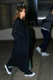 Jessica Alba and Cash Warren Arrives in LA Celebrates Wedding Anniversary in Paris 2019/05/03 14