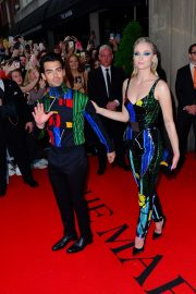 Joe Jonas and Sophie Turner Out for the Met Gala in New York 2019/05/06 6