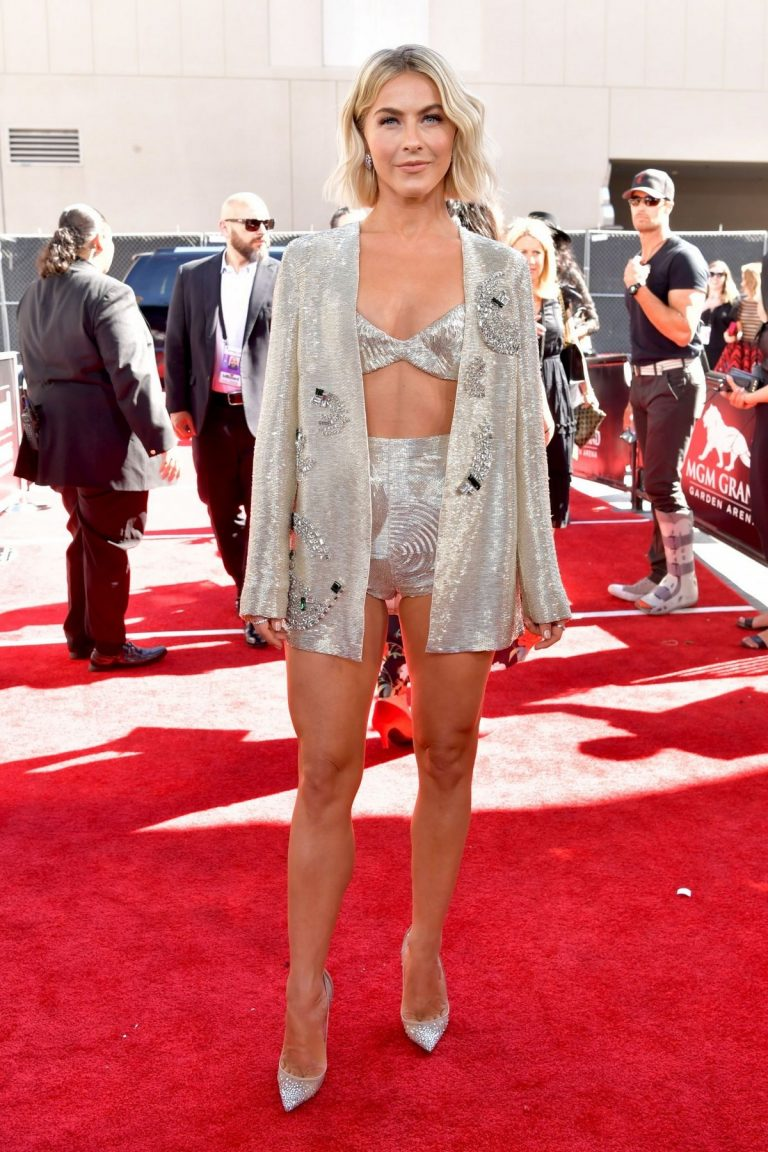 Julianne Hough at 2019 Billboard Music Awards at MGM in Las Vegas 2019/05/01 2