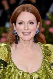 Julianne Moore at The 2019 Met Gala Celebrating Camp: Notes on Fashion in New York 2019/05/06 3