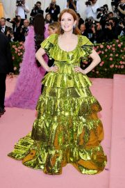 Julianne Moore at The 2019 Met Gala Celebrating Camp: Notes on Fashion in New York 2019/05/06 5
