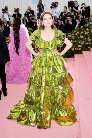 Julianne Moore at The 2019 Met Gala Celebrating Camp: Notes on Fashion in New York 2019/05/06 6