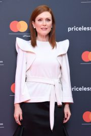 Julianne Moore in Stylish White Top During at 72nd Annual Cannes Film Festival 2019/05/15 7