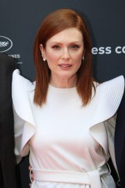 Julianne Moore in Stylish White Top During at 72nd Annual Cannes Film Festival 2019/05/15 11