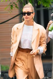 Justin Bieber and Hailey Bieber Out and About in New York 2019/05/04 2