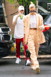 Justin Bieber and Hailey Bieber Out and About in New York 2019/05/04 3