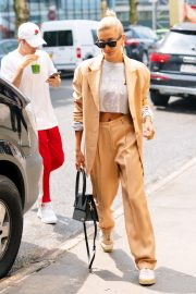 Justin Bieber and Hailey Bieber Out and About in New York 2019/05/04 6