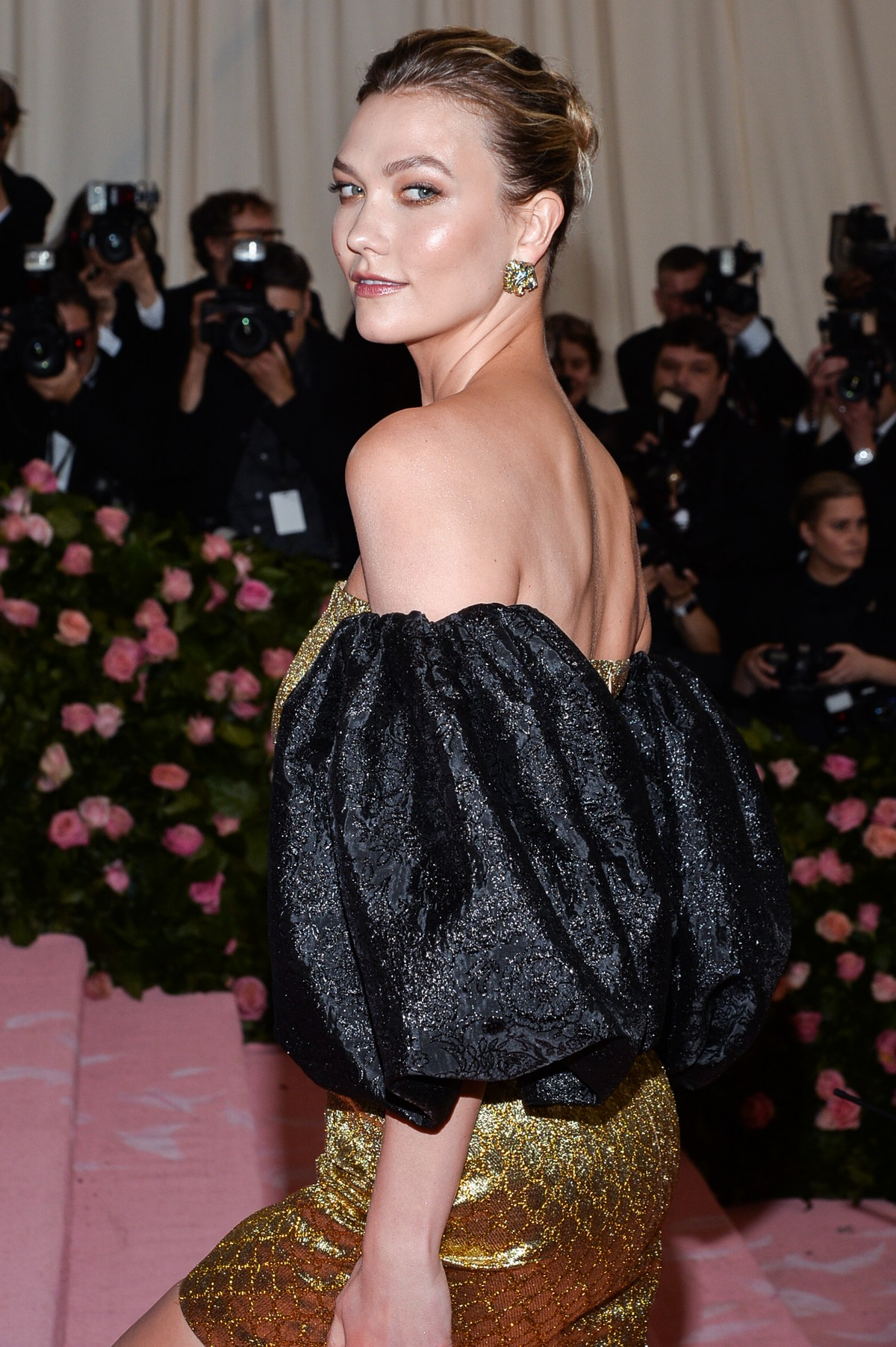 Karlie Kloss at The 2019 Met Gala Celebrating Camp: Notes on Fashion in New York 2019/05/06 3