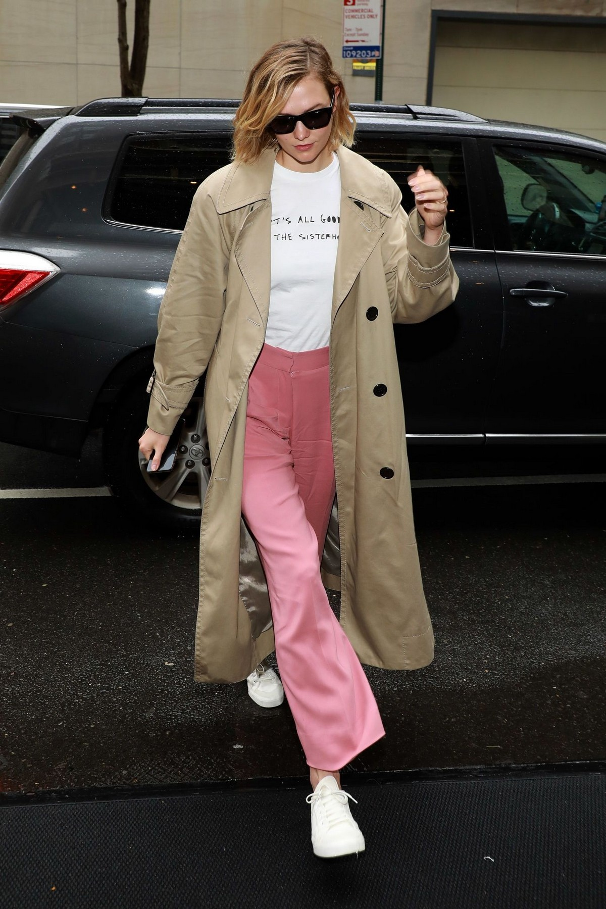 Karlie Kloss Out and About in New York 2019/05/05 2