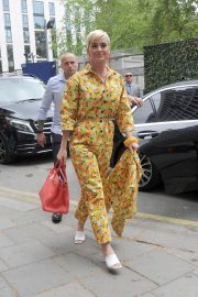 Katy Perry Out of Her Hotel in London 2019/05/01 3