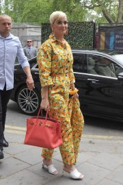 Katy Perry Out of Her Hotel in London 2019/05/01 5