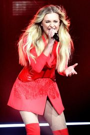 """Kelsea Ballerini Performs at """"Miss Me More"""" Tour in Sioux City 2019/05/04 1"""