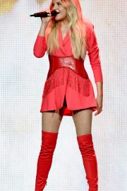 """Kelsea Ballerini Performs at """"Miss Me More"""" Tour in Sioux City 2019/05/04 3"""