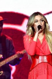 """Kelsea Ballerini Performs at """"Miss Me More"""" Tour in Sioux City 2019/05/04 4"""