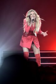 """Kelsea Ballerini Performs at """"Miss Me More"""" Tour in Sioux City 2019/05/04 6"""