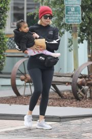 Khloe Kardashian Out and About in Calabasas 2019/04/30 16