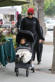 Khloe Kardashian Out and About in Calabasas 2019/04/30 26