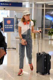 Kiernan Shipka Arrives at LAX Airport in Los Angeles 2019/05/02 1