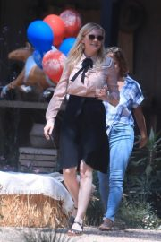 Kirsten Dunst Celebrates 1 Year Old Baby Birthday with family in Los Angeles 2019/05/04 2