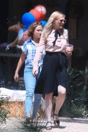 Kirsten Dunst Celebrates 1 Year Old Baby Birthday with family in Los Angeles 2019/05/04 3