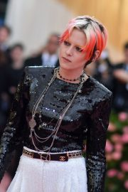 Kristen Stewart at The 2019 Met Gala celebrating Camp: Notes on Fashion in New York City 2019/05/06 3