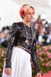 Kristen Stewart at The 2019 Met Gala celebrating Camp: Notes on Fashion in New York City 2019/05/06 4