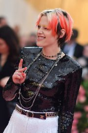 Kristen Stewart at The 2019 Met Gala celebrating Camp: Notes on Fashion in New York City 2019/05/06 6