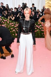 Kristen Stewart at The 2019 Met Gala celebrating Camp: Notes on Fashion in New York City 2019/05/06 9