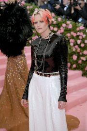 Kristen Stewart at The 2019 Met Gala celebrating Camp: Notes on Fashion in New York City 2019/05/06 10