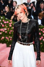 Kristen Stewart at The 2019 Met Gala celebrating Camp: Notes on Fashion in New York City 2019/05/06 15