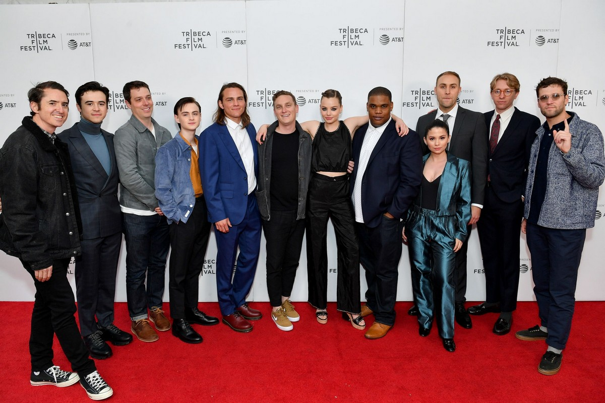 "Kristine Froseth with Full Cast of  ""Low Tide"" Screening 2019 Tribeca Film Festival 2019/04/28 6"