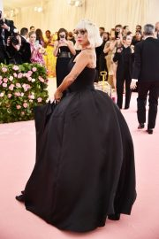 Lady Gaga at the 2019 Met Gala Celebrating Camp: Notes on Fashion in New York 2019/05/06 7