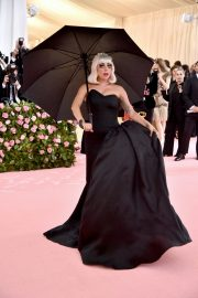 Lady Gaga at the 2019 Met Gala Celebrating Camp: Notes on Fashion in New York 2019/05/06 8