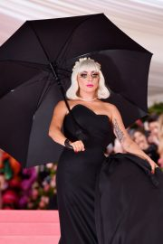 Lady Gaga at the 2019 Met Gala Celebrating Camp: Notes on Fashion in New York 2019/05/06 15