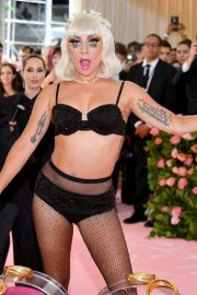 Lady Gaga at the 2019 Met Gala Celebrating Camp: Notes on Fashion in New York 2019/05/06 28