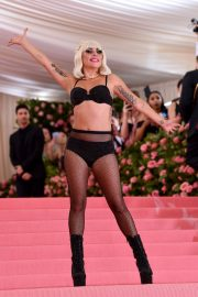 Lady Gaga at the 2019 Met Gala Celebrating Camp: Notes on Fashion in New York 2019/05/06 31