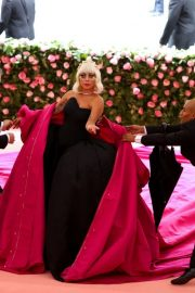 Lady Gaga at the 2019 Met Gala Celebrating Camp: Notes on Fashion in New York 2019/05/06 34
