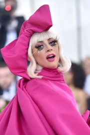 Lady Gaga Attends the 2019 Met Gala Celebrating Camp: Notes on Fashion in New York 2019/05/06 13