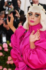 Lady Gaga Attends the 2019 Met Gala Celebrating Camp: Notes on Fashion in New York 2019/05/06 25