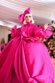 Lady Gaga Attends the 2019 Met Gala Celebrating Camp: Notes on Fashion in New York 2019/05/06 28