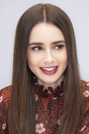 """Lily Collins at """"Tolkien"""" Press Conference in Hollywood 2019/04/22 10"""