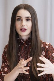 """Lily Collins at """"Tolkien"""" Press Conference in Hollywood 2019/04/22 13"""