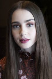 """Lily Collins at """"Tolkien"""" Press Conference in Hollywood 2019/04/22 16"""