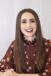 """Lily Collins at """"Tolkien"""" Press Conference in Hollywood 2019/04/22 27"""