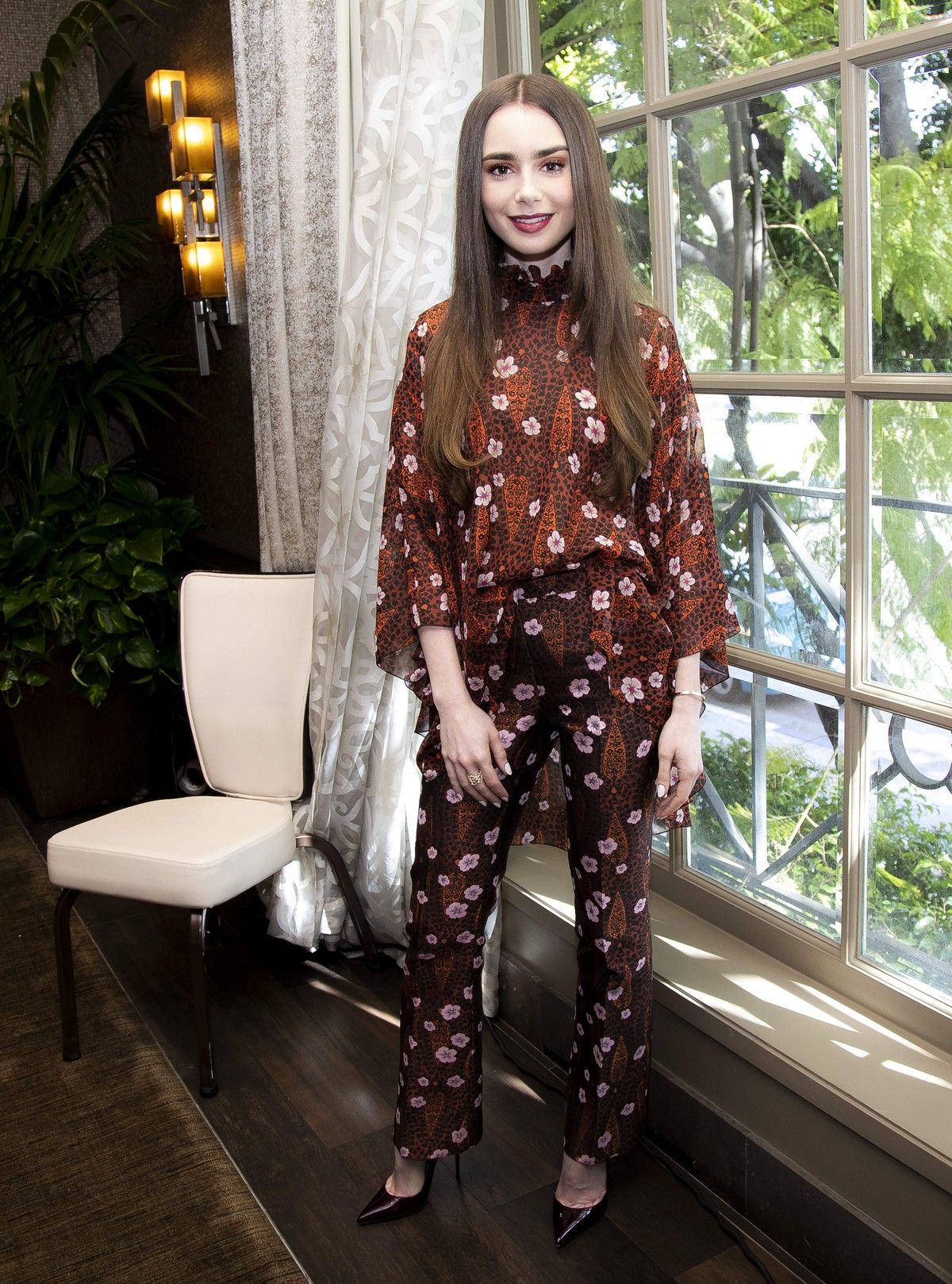 """Lily Collins at """"Tolkien"""" Press Conference in Hollywood 2019/04/22 28"""