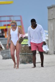 Lindsey Vonn in White One Piece Swimsuit on the Beach in Miami 2019/05/04 18