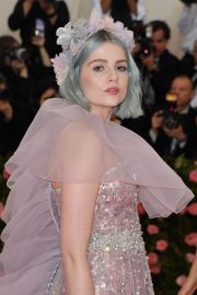 Lucy Boynton at The 2019 Met Gala celebrating Camp: Notes on Fashion in New York 2019/05/06 8